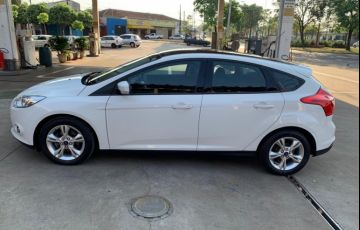 Ford Focus Hatch S 1.6 16V TiVCT PowerShift - Foto #10