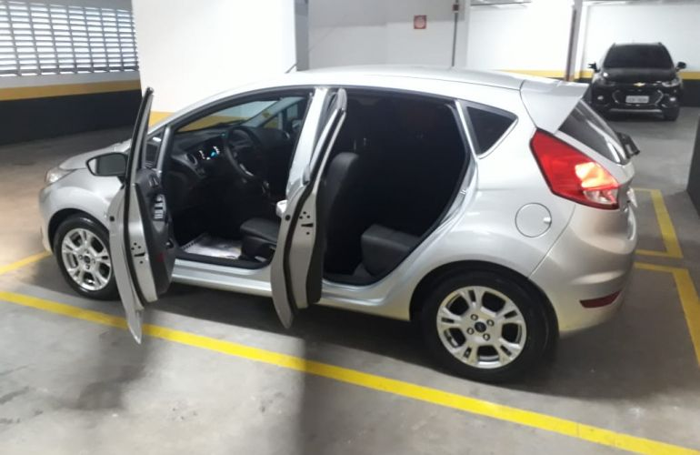 Ford New Fiesta SE 1.6 16V PowerShift - Foto #4