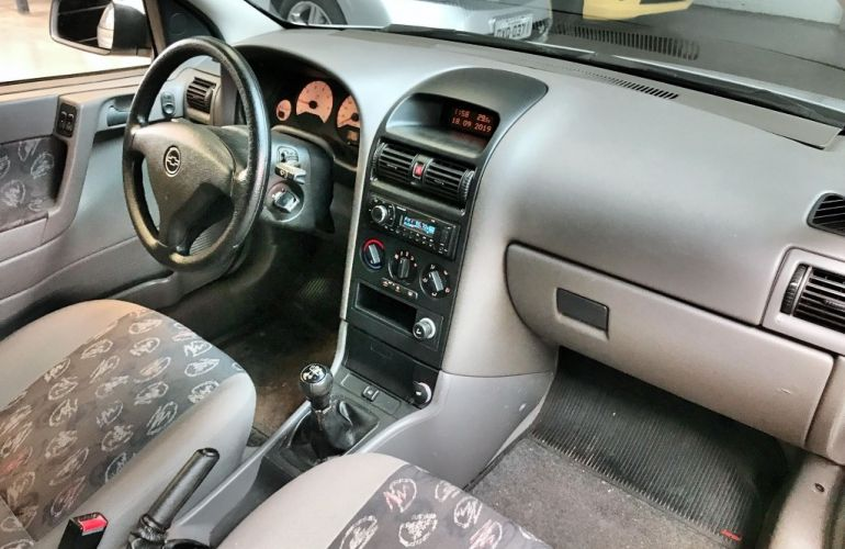 Chevrolet Astra Hatch Sunny 2.0 8V - Foto #7