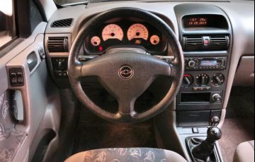 Chevrolet Astra Hatch Sunny 2.0 8V - Foto #8