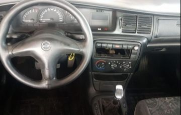 Chevrolet Vectra GL Milenium 2.2 Mpfi 8V - Foto #4