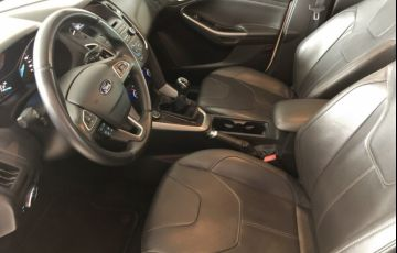 Ford Focus Hatch SE 1.6 16V TiVCT PowerShift - Foto #8