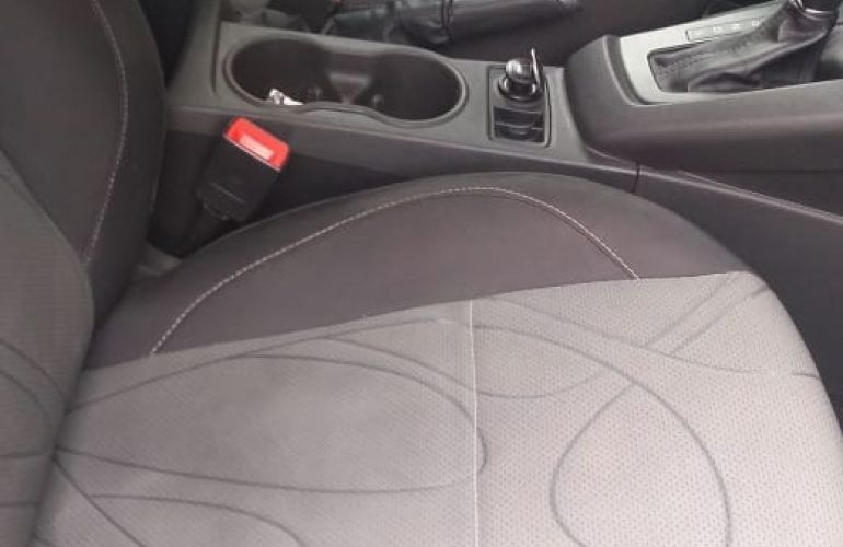 Ford Focus Sedan S 2.0 16V PowerShift (Aut) - Foto #3