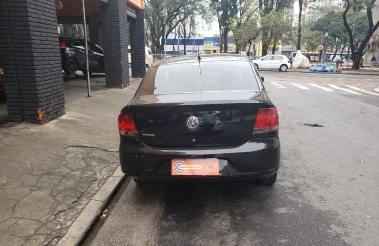 Volkswagen Voyage 1.0 MPI (Flex) - Foto #6