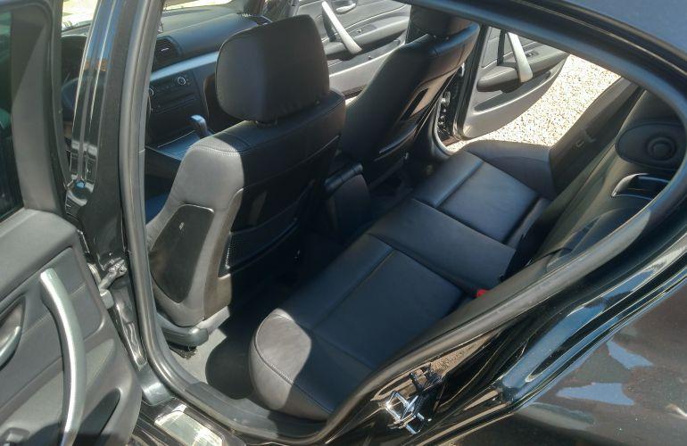 BMW 130i 3.0 24V Sport (Aut) - Foto #7