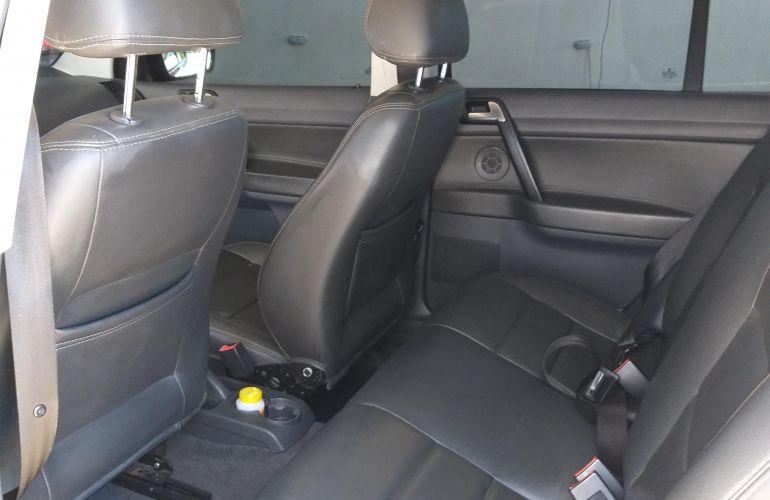 Volkswagen Polo Sedan Comfortline 1.6 8V (Flex) - Foto #6