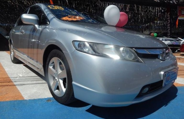 Honda Civic LXS 1.8 16V Flex - Foto #2