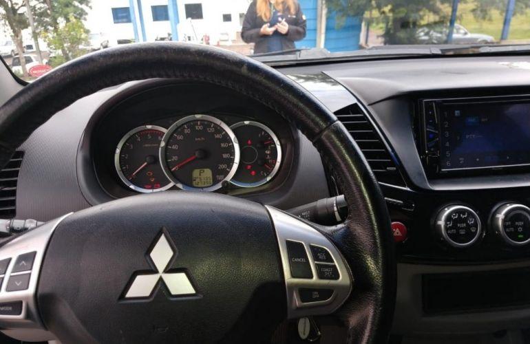 Mitsubishi L200 Triton 3.2 DI-D 4x4 (Aut) - Foto #7