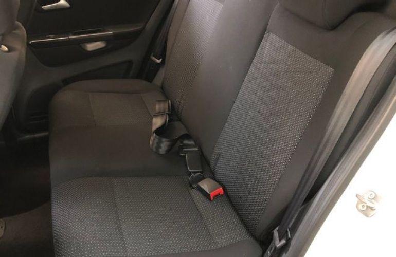 Volkswagen Fox Connect 1.6 - Foto #7