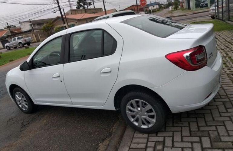 Renault Logan Expression 1.0 16V Hi-Flex - Foto #6