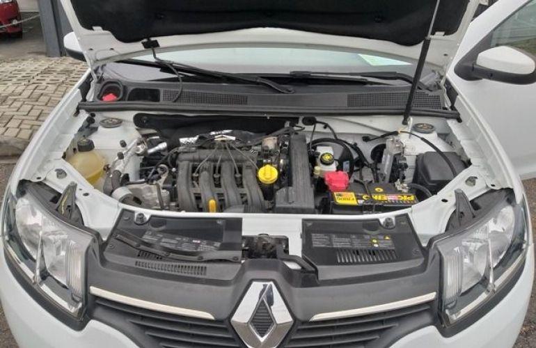 Renault Logan Expression 1.0 16V Hi-Flex - Foto #10