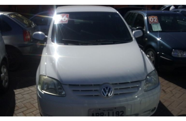 Volkswagen Fox 1.0 8V (Flex) - Foto #2