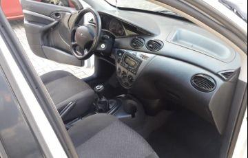 Ford Focus Sedan GLX 1.6 8V (Flex) - Foto #6