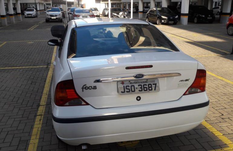 Ford Focus Sedan GLX 1.6 8V (Flex) - Foto #9