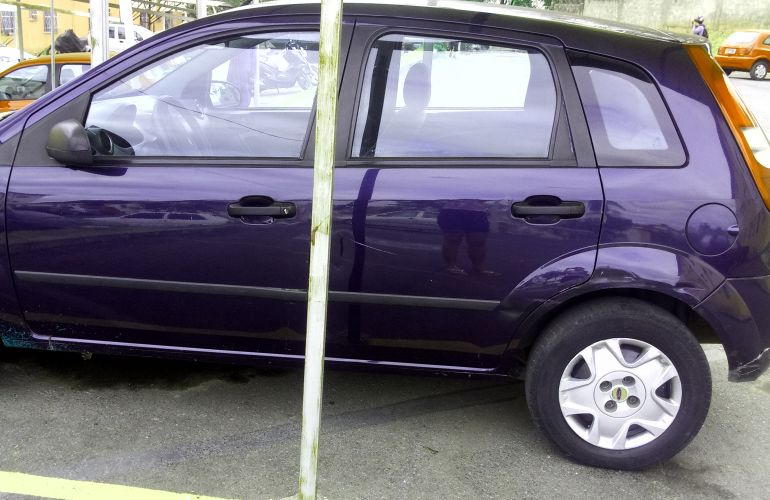 Ford Fiesta Hatch 1.0 - Foto #8