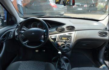 Ford Focus Hatch GL 1.6 8V (Flex) - Foto #6