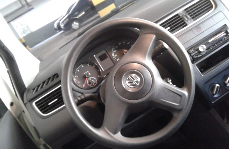 Volkswagen Fox 1.0 VHT (Flex) 2p - Foto #5
