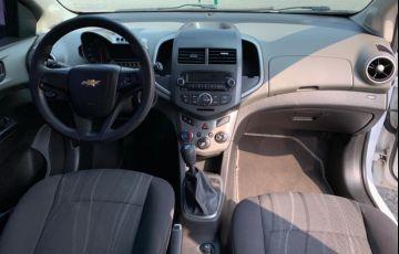 Chevrolet Sonic Hatch LT 1.6 - Foto #8