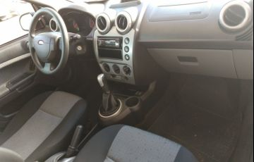 Ford Fiesta Sedan SE 1.6 Rocam (Flex) - Foto #8
