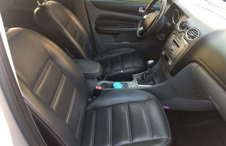 Ford Focus Hatch Titanium 2.0 16V - Foto #1