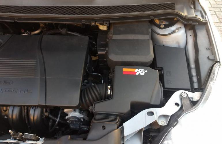 Ford Focus Hatch Titanium 2.0 16V - Foto #3