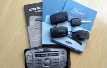 Ford Focus Hatch Titanium 2.0 16V - Foto #6