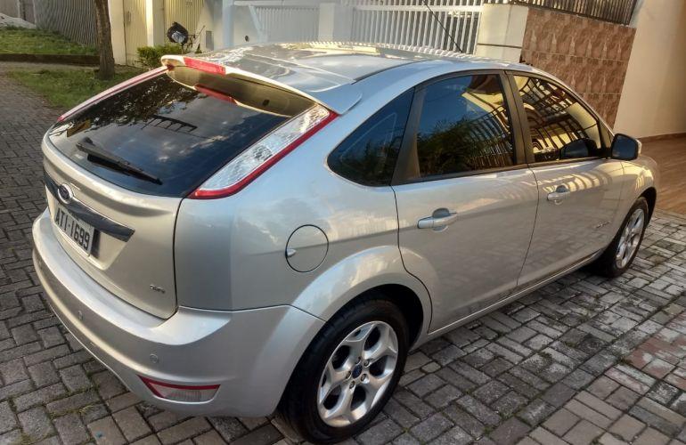 Ford Focus Hatch Titanium 2.0 16V - Foto #9