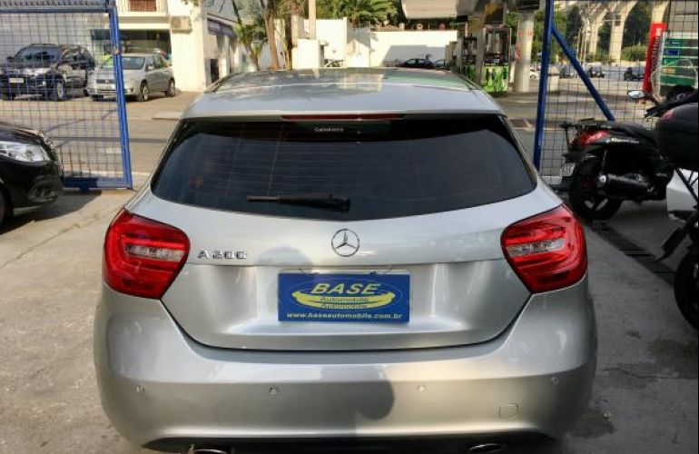 Mercedes-Benz A 200 1.6 Tb 16V Urban 156cv Aut - Foto #5