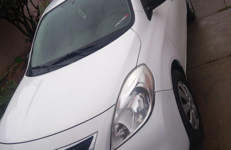 Nissan Versa 1.6 16V S - Foto #1