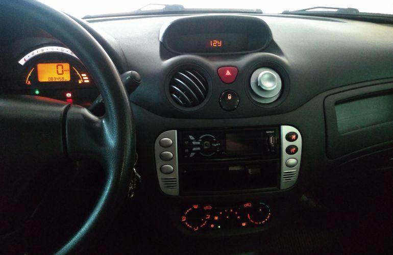 Citroën C3 GLX 1.4 8V (flex) - Foto #2