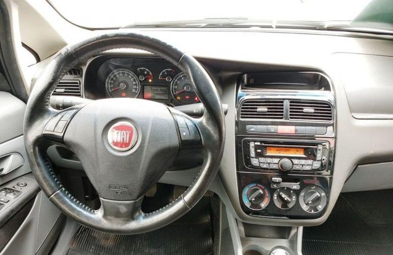 Fiat Linea Essence 1.8 16V (Flex) - Foto #10