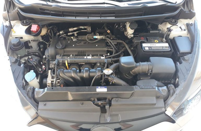 Hyundai HB20 1.6 Comfort Plus - Foto #9