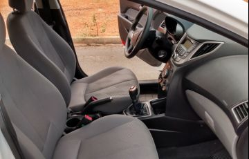 Hyundai HB20S 1.6 Comfort Plus - Foto #10