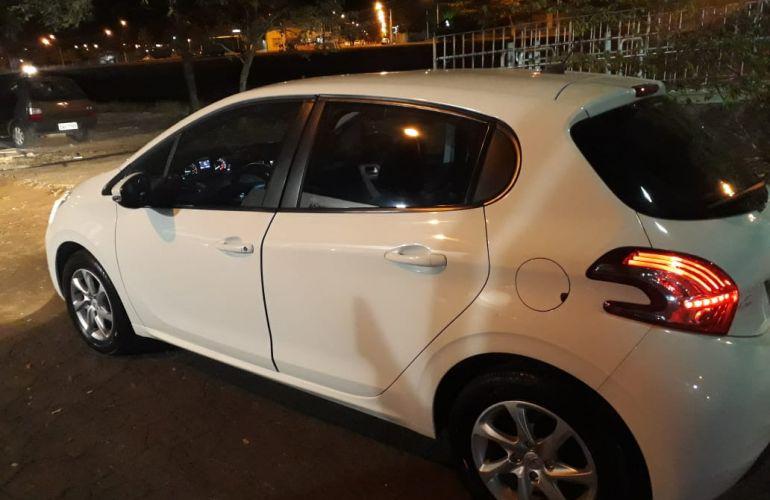 Peugeot 208 Active Pack 1.6 16V (Flex) (Aut) - Foto #8