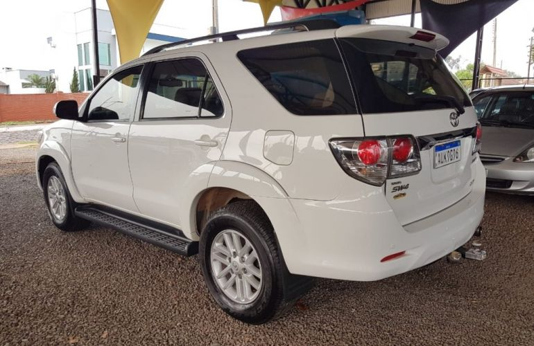Toyota Hilux SW4 3.0 TDI 4x4 SRV 7L - Foto #9