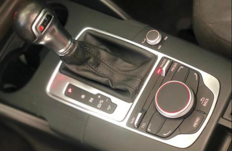 Audi A3 Sedan 1.4 TFSI Attraction S Tronic - Foto #9