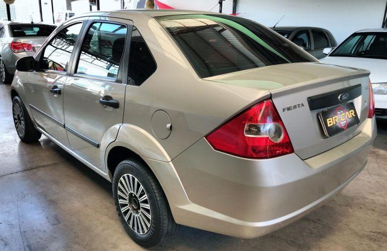 Ford Fiesta Sedan 1.0 - Foto #6