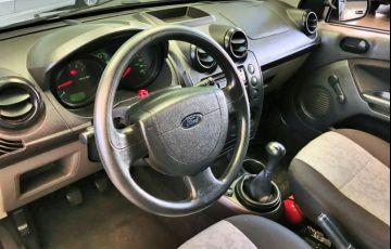 Ford Fiesta Sedan 1.0 - Foto #7