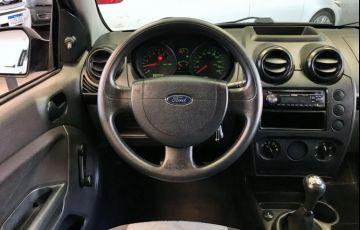 Ford Fiesta Sedan 1.0 - Foto #8