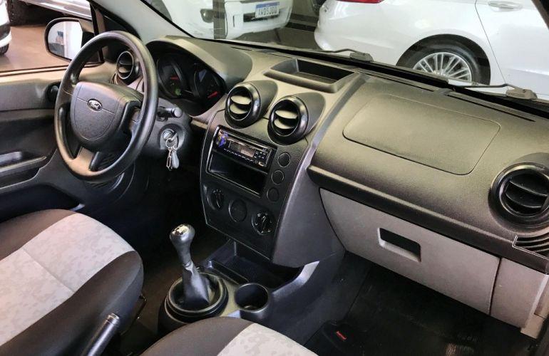 Ford Fiesta Sedan 1.0 - Foto #10