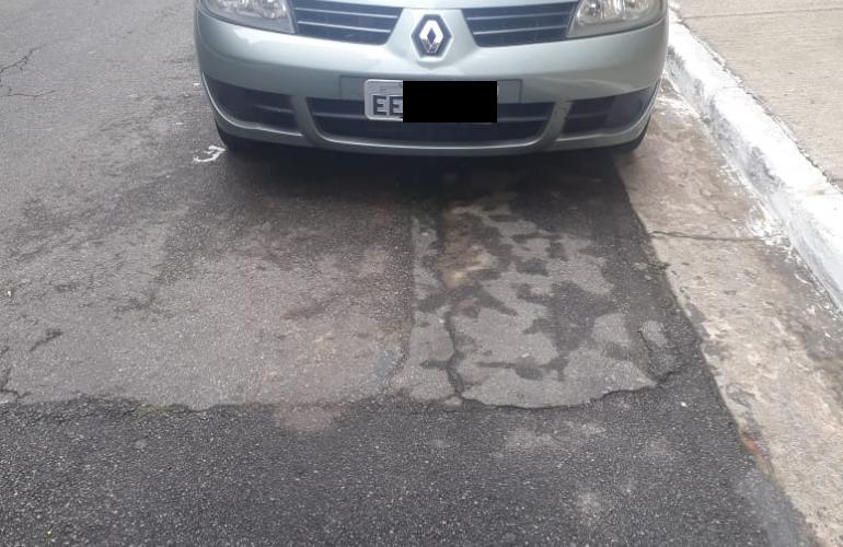 Renault Clio Sedan Expression 1.0 16V (flex) - Foto #3