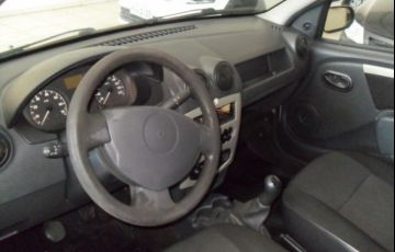 Renault Logan Authentique 1.0 16V Hi-Flex - Foto #4