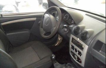 Renault Logan Authentique 1.0 16V Hi-Flex - Foto #5