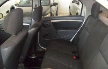 Renault Logan Authentique 1.0 16V Hi-Flex - Foto #7