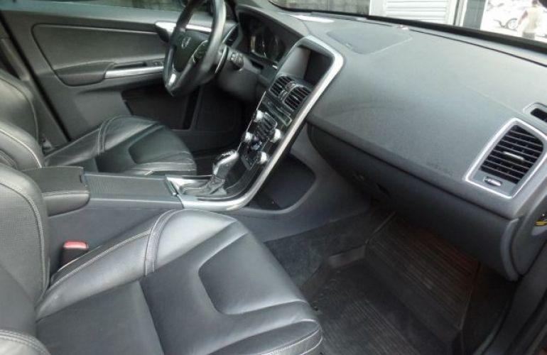 Volvo XC60 R-Design AWD 3.0 Turbo - Foto #2