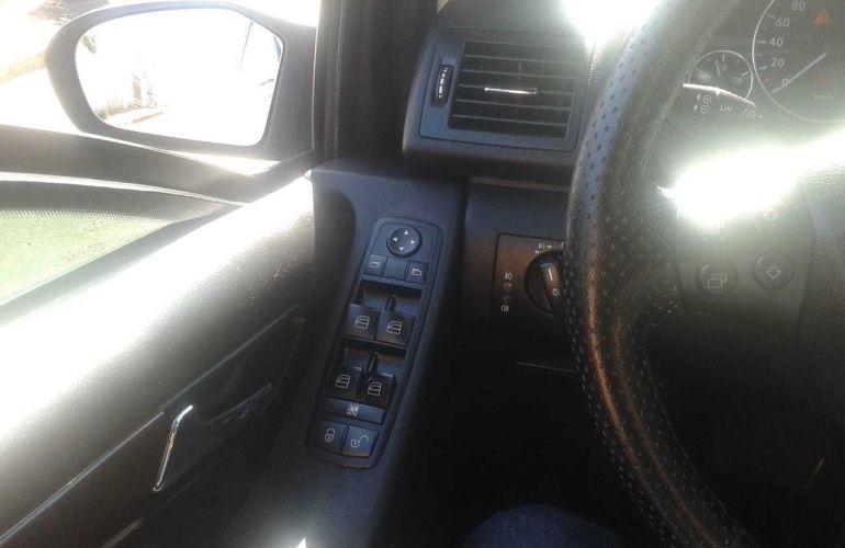 Mercedes-Benz Classe A 200 Elegance - Foto #9