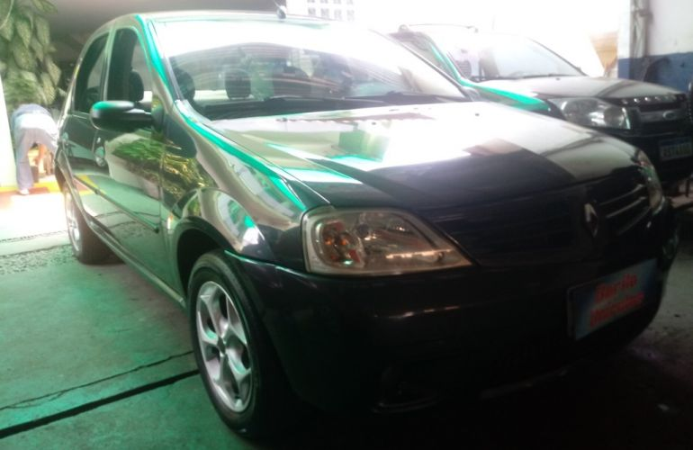 Renault Logan Expression 1.6 8V (Flex) - Foto #2