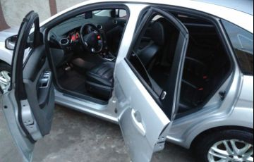 Ford Focus Hatch GLX 2.0 16V Duratec (Aut) - Foto #3