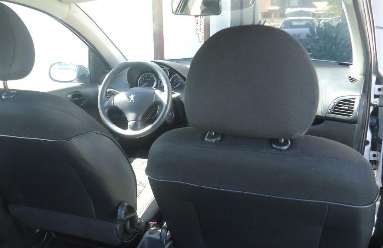 Peugeot 207 Hatch XR S 1.4 8V (flex) - Foto #9