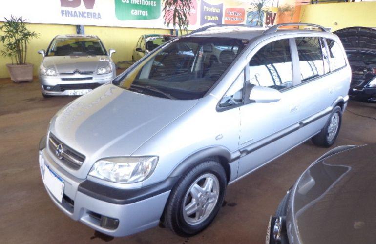 Chevrolet Zafira Elegance 2.0 (Flex) - Foto #3